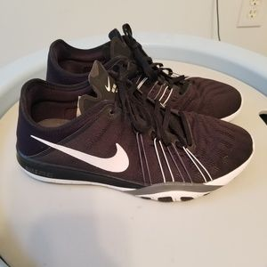 Nike Free TR6 Training Sneakers - womens 9.5